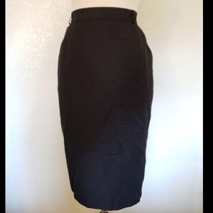 Dresses & Skirts - Black high waisted pencil skirt with pockets